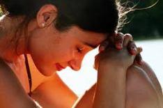 ex cu woman praying