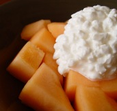 cottage-cheese-cantaloupe